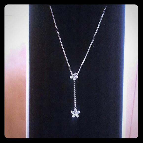 90e0d40d8 **PANDORA** Dazzling Daisy Y necklace. M_5b3a222c6a0bb74e73a6207c